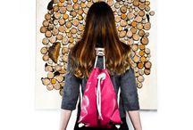 If Bags per Lovli.it / If Bags è il marchio di accessori ideato da Isabella De Felice, giovane designer napoletana, assieme a Francesca Mesiano e Claudia Legnani, rispettivamente scenografa e imprenditrice. Di base a Milano, le tre creative realizzano zaini in ecopelle, corda e legno semplici e minimali, che giocano con una palette di colori sconfinata dai nomi divertenti. Accessori che fanno scattare scintille emozionali rispondendo a un'esigenza di praticità.