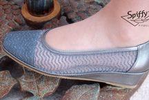 Tendencias: Colores metalizados / Tendencias primavera 2016. Esta temporada se llevan los colores metalizados en toda la paleta de color. El calzado hecho en España SPIFFY tiene una amplia selección de modelos.