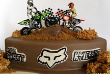 Gâteaux sur le thème de la moto tout terrain