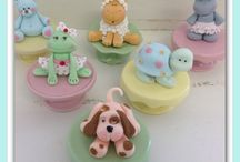 Super Cute Cupcakes / Those super cute cupcake designs we all love :-)