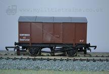 Wrenn Railways / A collection of Wrenn wagons