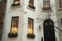neoclassical buildings