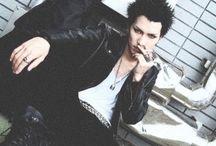ch : honjō ren  [ 本城蓮 ] / nana • trapnest • guitarist •