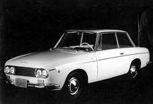 DKW / DKW(日本では一般に「デーカーヴェー」と読まれることが多い)は、ドイツの歴史的な自動車とオートバイ製造企業であった。 ドイツでは後発のオートバイ・自動車メーカーでありながら、1920-30年代に得意技術である2ストロークエンジンを活かして急成長を遂げ、1932年のドイツ国内民族メーカー4社合同によるアウトウニオン設立の中核企業となった。「DKW」ブランドは1960年代まで用いられ、そのモデルは以後のアウディ車の母体となった。