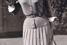 Vintage fashion sixties (1950-1960) / Vintage damesmode uit de zestiger jaren, designer kleding van tussen 1950 en 1960. The sixties...