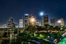 29.7631° N, 95.3631° W / Houston, Texas, USA  / by Jorge U. Ungo