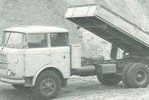 ŠKODA 706 Řada RT: sklapěče a  valníky / NAKLADNE AUTOMOBILY VYRABANE V ČSSR