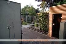 Tuin met sauna / Tuin met sauna en buitendouche, ontwerp & aanleg door Van Sleeuwen Hoveniers - Veghel. Meer informatie treft u op www.vansleeuwenhoveniers.nl.