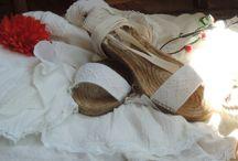 Alpargatas y Tocados para novia / Alpargatas, Coronas, Tocados y Complementos para novia e invitadas. Diseños exclusivos hechos a mano y a medida, Taller en Mallorca y Madrid.