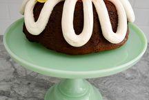 Bundt cakes and mini cakes