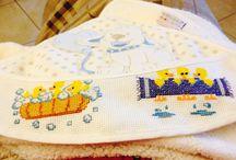 Cross stitching / Bavaglini, lenzuolini, copertine e altro