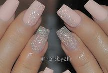 Ongles de glitter rose