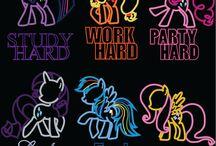 〜(^∇^〜)(〜^∇^)〜 My Little Pony 〜(^∇^〜)(〜^∇^)〜 / by φ(・ω・♣)☆・゚:* Cherri φ(・ω・♣)☆・゚:*