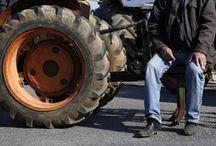 Κόβουν την Ελλάδα στη μέση οι αγρότες – Κλείνουν από σήμερα τα Τέμπη