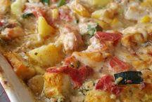 romige aardappelschotel met pestp groenten en kip