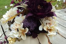 Wedding Flowers / by Chloe VanDuinen