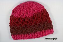 Mütze rot bunt