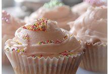 Sweet Treats MMMMM!!! / by Ashleigh Smith