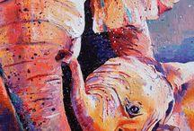 Слон яркого цвета