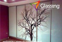 Szafy przesuwne / Galeria spersonalizowanych szaf przesuwnych z grafiką drukowaną bezpośrednio na hartowanym panelu szklanym. Niepowtarzalny design oraz wysoka jakość wykonania szafy sprawi, że Twoje wnętrze stanie się wyjątkowe.