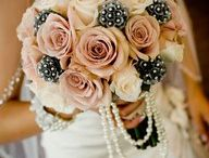Flowers! / From centerpieces to bouquets, there are so many options!