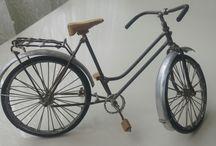 el yapımı bisiklet / bakır tellerin lehimle birleştirilmesiyle yapılmıştır.