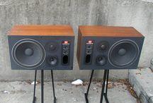 jbl retro speaker
