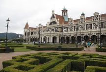 Dunedin, Port Chalmers and the Otago Peninsula / The pictorial delights and Victorian architecture of the 'Edinburgh of the South'.