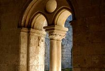 sacred Catholic architecture / Catholic details and design