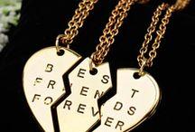 Collares,pulseras y anillos