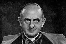 SEGUNDO ANTIPAPA Y SUS MALABARES APOSTATAS / Nada menos que Montini, el continuador del conciabulo Vaticano II del cual se forjo mayormente la secta del post-concilio. Hizo la misa satanica, los sacerdotes, las monjas... de dicha secta.