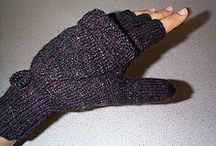 Knit fingersless gloves and scarf