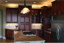 Traditional Style / A well organized traditional kitchen