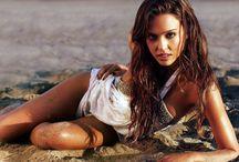 Celebrity Hot Bikini Photos / Celebrities Hot Photo Collection, Hot Celebrity Bikini Beach Bodies, Hot photo Gallery, Celebrity Leaked Hot picture