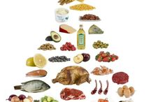Low carb diet / by Chaynna Boykin