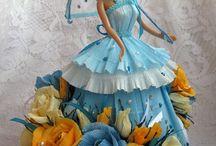 Boneca com vestidos