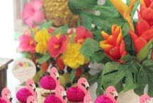 Pink Flamingo Party Ideas / Fantastic pink flamingo birthday party ideas, including cakes, cupcakes, decorations, party favors, and more!