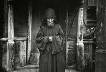 monks, nuns and hermits / by Konijeva Ekatherine