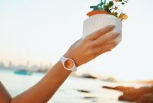ICE sunset / Fancy a holiday with the perfect summery watch on your wrist? Then meet the Sunset collection! Adding a special something to each and every hour of the day with a sunset-inspired bold mix of colour.  Delicate, intense or multi-coloured...the choice is yours!