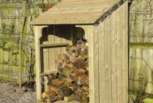 Deep Okeford Log Store / Classically styled Log Store, a capacious 1.8 cubic metre volume, with a forward pent roof and finished with ornate corner braces. Available in 3 widths of 4ft, 5ft and 6ft and standing over 6ft high.