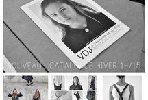 AH 14/15 - CATALOGUE / Pour cette saison, le VDJ a voulu créer une collection très épurée, minimaliste et intemporelle. Nous nous sommes concentrés sur les jeux de volume et de déformation dus à l'usure des vêtements. La collection est disponible en deux qualités de lainage : un lainage à chevrons, très souple, pour un effet « sportswear » et un lainage uni, plus rigide, pour un effet « casual chic ».