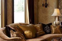 Marge Carson / В качестве одного из мировых крупнейших и старейших частных мелких мебельных компаний, Мардж Карсон ; проектирование мебели  приверженности к качеству, стилю и романтики.  С момента основания более шестидесяти лет назад (1947 г., на самом деле), мы никогда не пытались быть единый источник для всех. У нас нет никакого желания разбавить наши проекты, направляя каждый стиль и вкус. www.margecarson.com