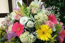 Beth Decora decorações para eventos / Decorações para casamentos, batizados, bodas, debutantes, chá de bebê, bouquets de noiva ,arranjos , cestas de flores com chocolate, bouquets para presente, pelúcias e presentes. Tel (11) 5812-1522 / (11) 5510-9601