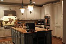 kitchens / by Linda Pieratt