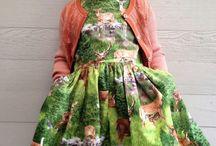 ADAMA dětské šaty / Svatební salon ADAMA nabízí k zapůjčení, koupi a především okamžitému vyzkoušení svůj sortiment dětských šatů pro kluky i holky všech věkových kategorií (děti) a velikostí. K zapůjčení, koupi a vyzkoušení jsou také nejrůznější doplňky dětských šatů jako jsou spony, knoflíky, mašle, motýlky, vázanky, věnečky a další.