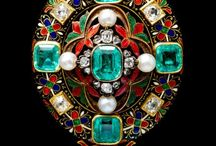 Vintage jewelels and precious stones