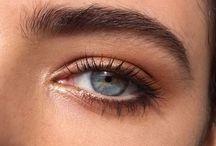//Fleaky Eyebrow / Definitely eyebrow goals, fo´ sho!