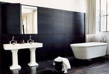Bathrooms / by Mariana Vidakovics De Victor