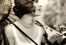 1920s Hairstyles / 1920s hair, hairstyles, finger waves, bob, long hair, hair accessories, marcel wave irons, silver hair brushes ...