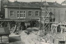 Historisches aus der HfTL / Bilder aus den Anfängen der HfTL. Die Hochschule wurde 1952 als Ingenieurschule Rosa Luxemburg der Deutschen Post in Leipzig eröffnet.